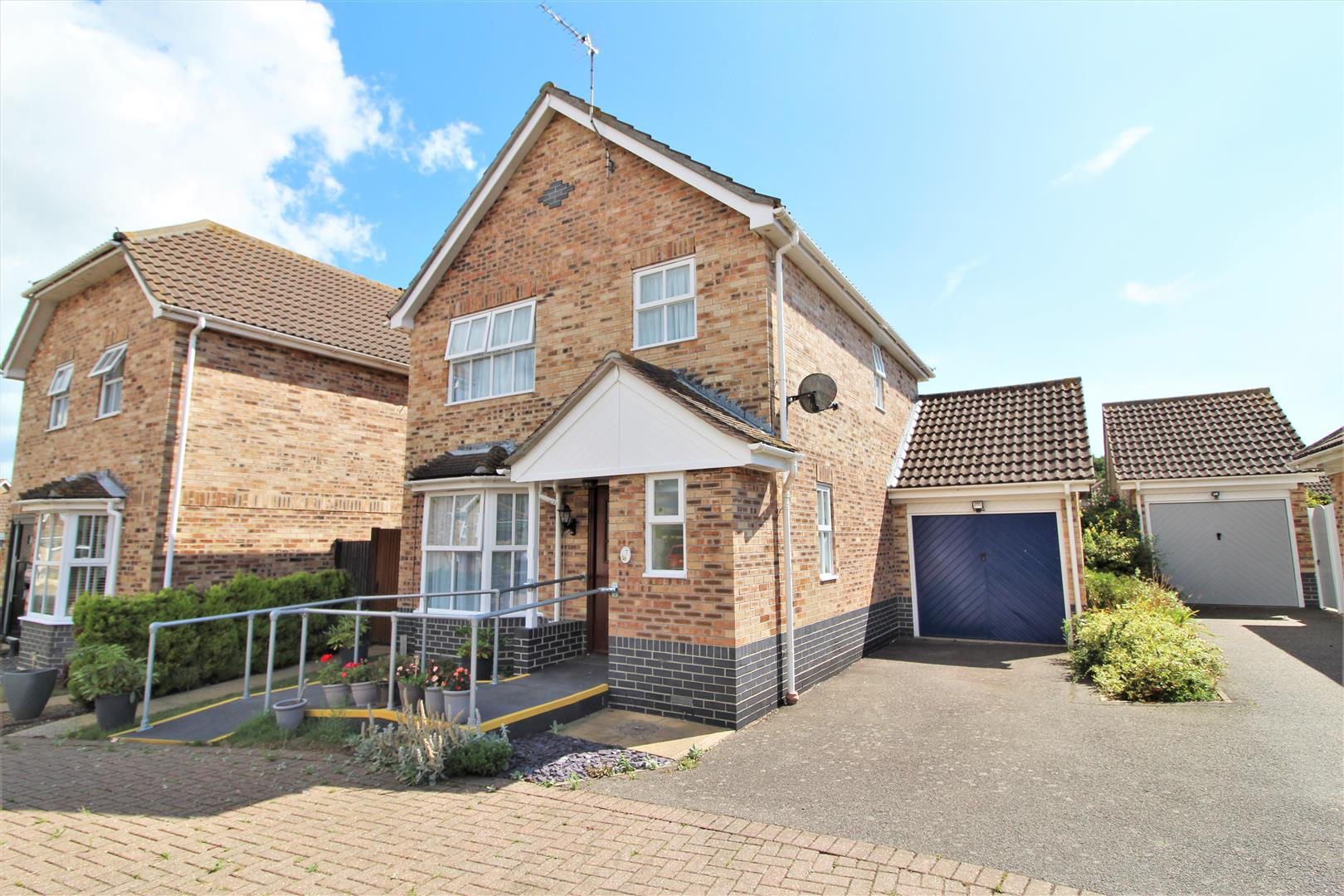 Avocet Close, Kirby Cross, Essex, CO13 0UX